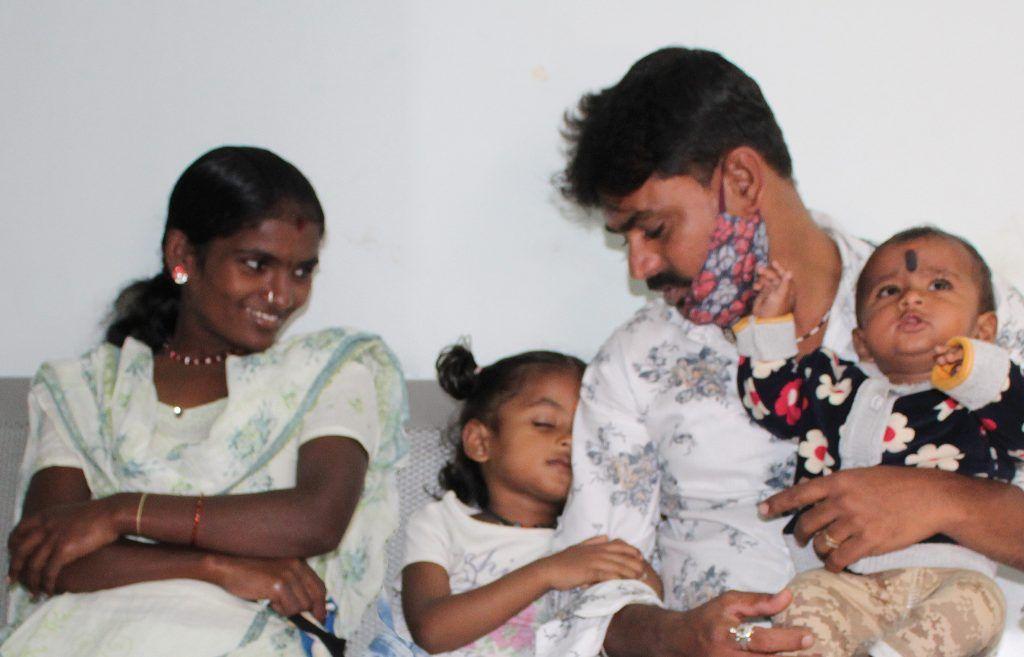 Banashankari junto a su familia